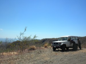 Poco Sol Programa de Fuegos, patrullando (patrolling), but here taking a break near Angostura, a ridge of Santa Elena.