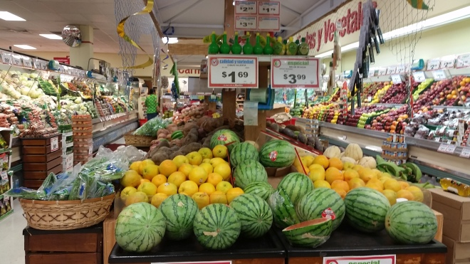 Plant communities in supermercados are a mix of local and imported species.